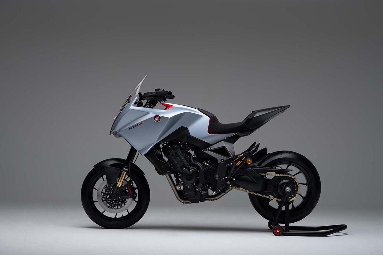 Супер-«сибиха»: на EICMA дебютировал футуристичный кроссовер Honda