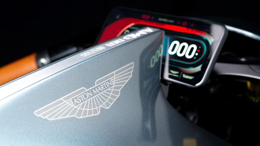 Сотня с наддувом: Aston Martin представил уникальный байк