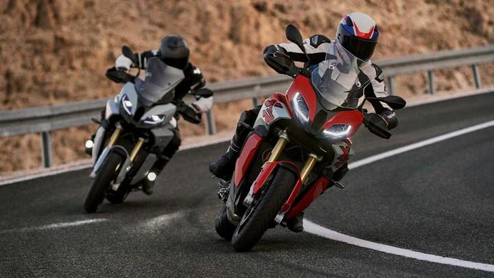 Para XeRos: BMW показала новые кроссоверы