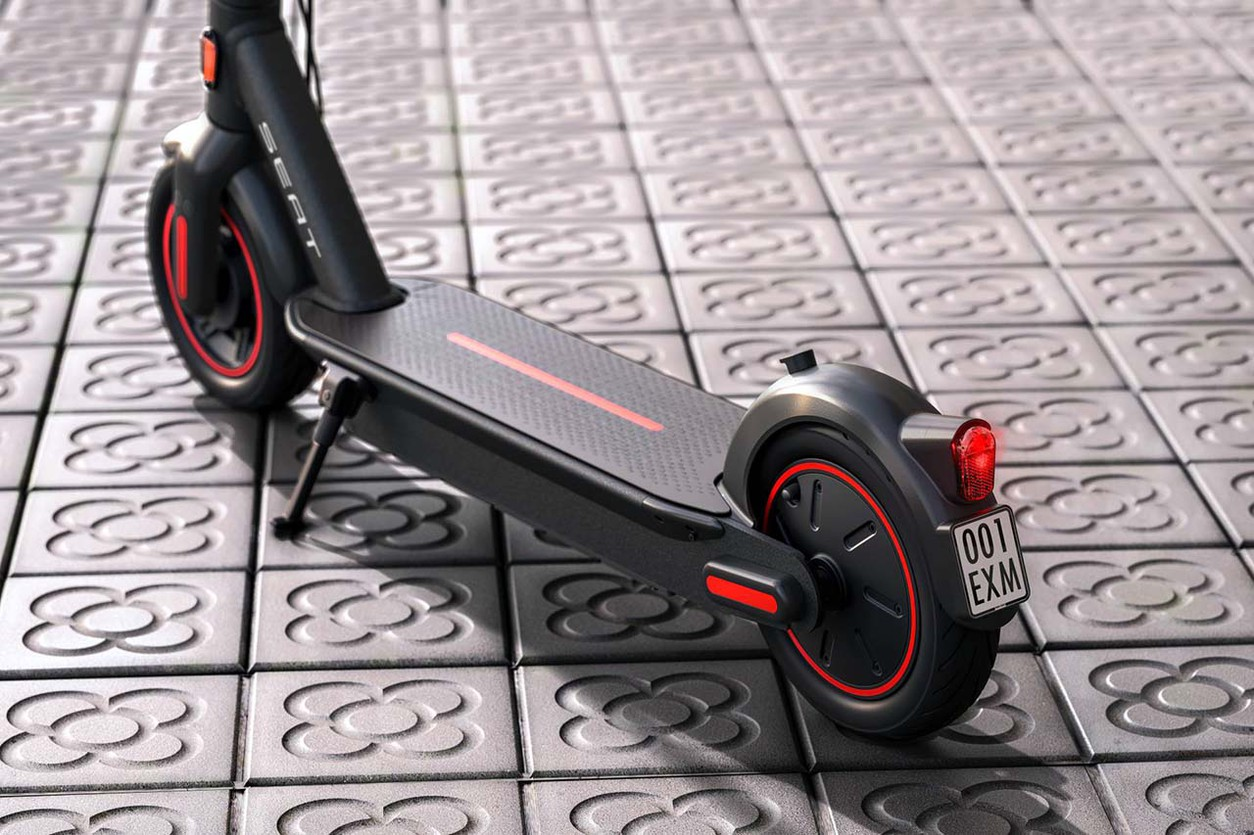 От автомобилей к электроскутерам: у SEAT появились двухколесные новинки