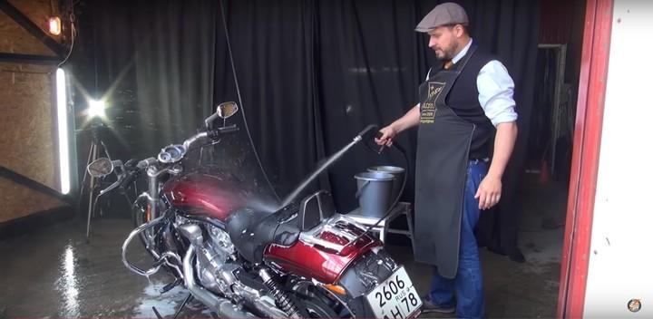 Как мыть мотоцикл? (Видео)