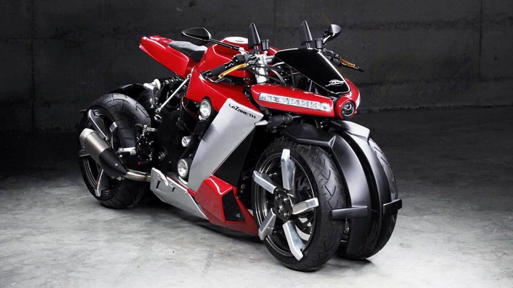 Французский «маньяк» представил самый необычный мотоцикл в мире