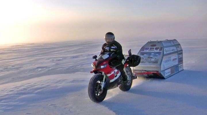 Маньяк-путешественник на Yamaha R1 отправится на Северный полюс