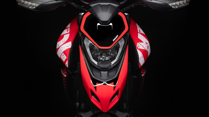 Ducati представила Hypermotard 950 RVE