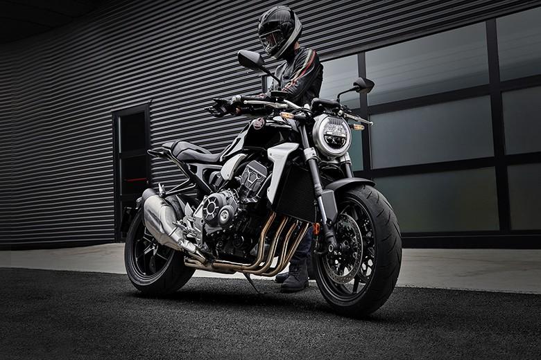 Honda 2018 CB1000R Powerful Sports Bike Review